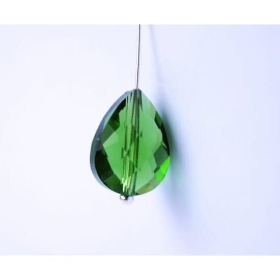 Csiszolt csepp üveggyöngy zöld 14x10mm