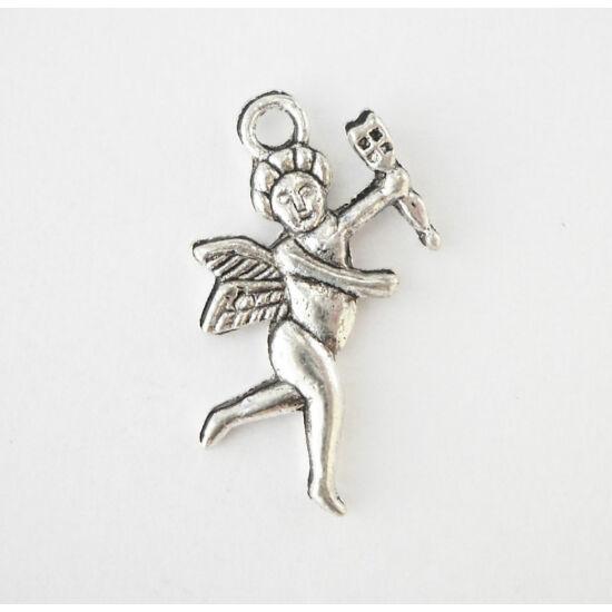 Reneszánsz angyalka charm ezüst