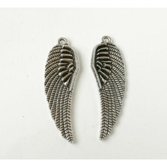 2 oldalas élethű szárny charm ezüst