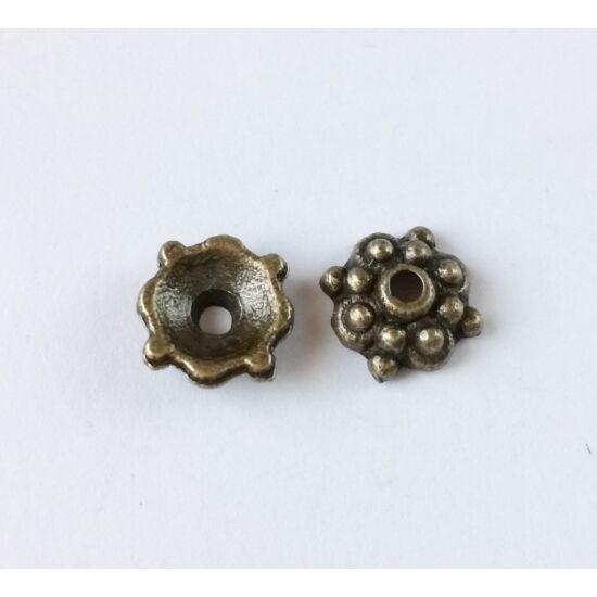 Pöttyös díszes gyöngykupak antikolt bronz