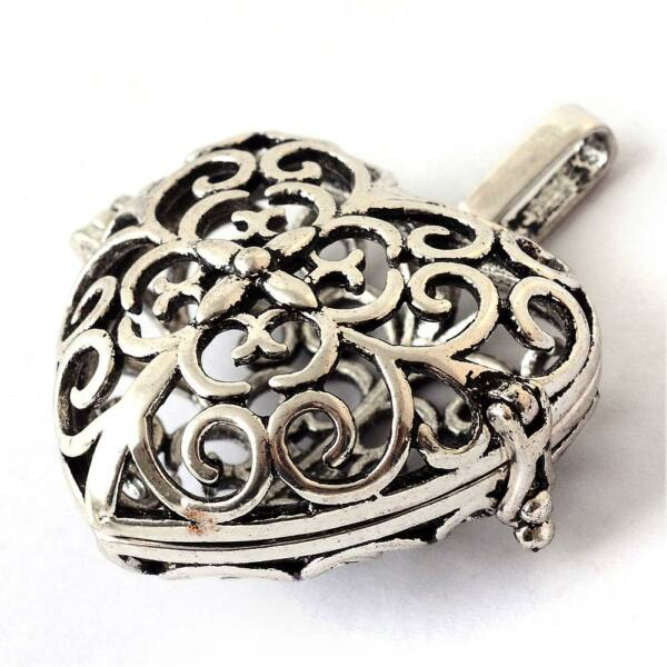 Indás szív angyalhívó antikolt ezüst színű