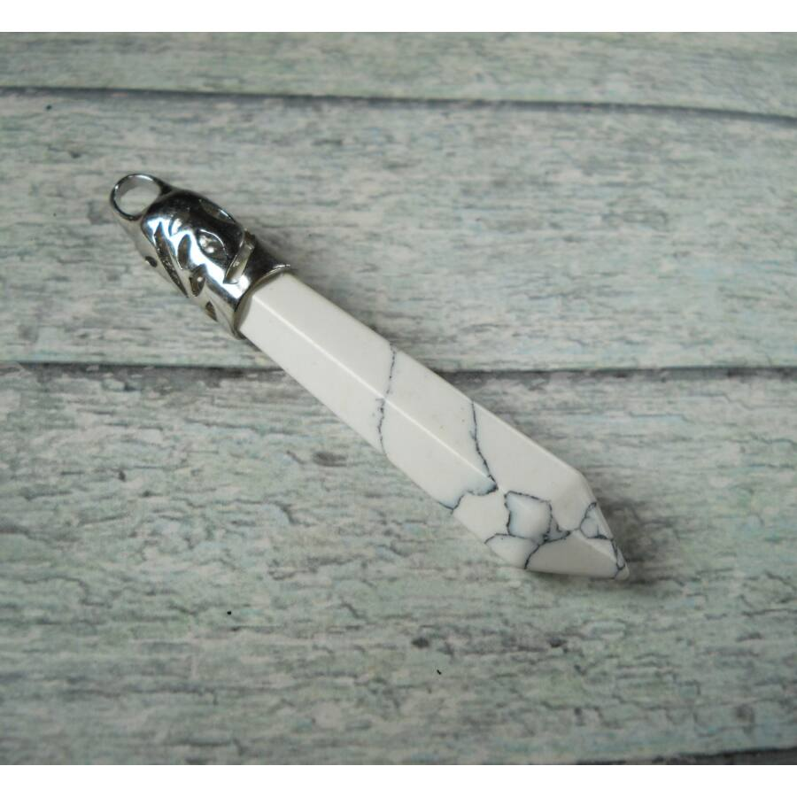 Howlit ásvány bullet medál