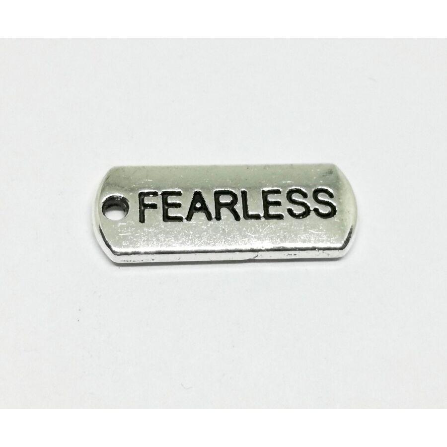 Biléta charm ezüst-Fearless