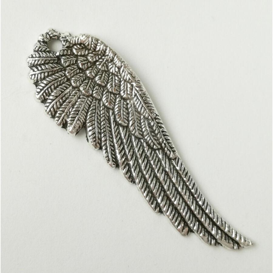 Élethű szárny charm jobbos