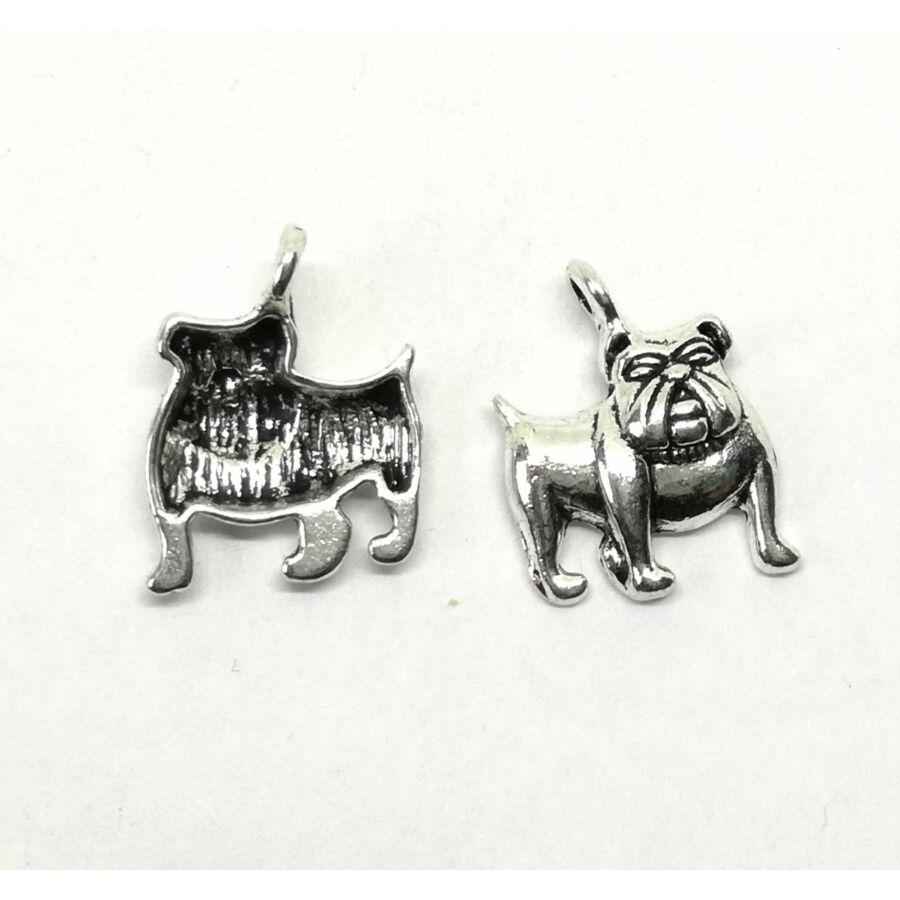 Bulldog charm ezüst