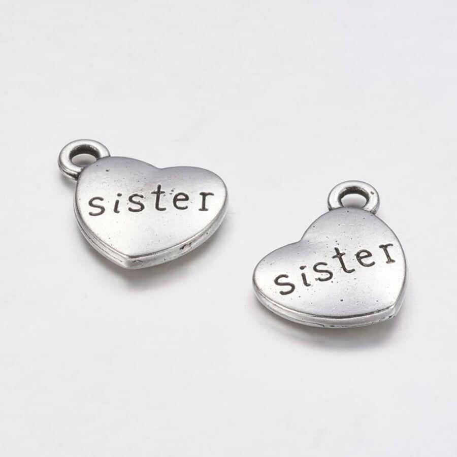 Antikolt ezüst szív charm sister felirattal