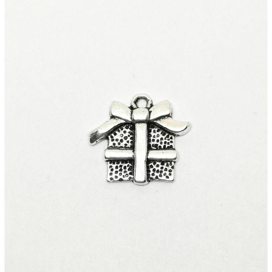 Ajándék doboz charm ezüst