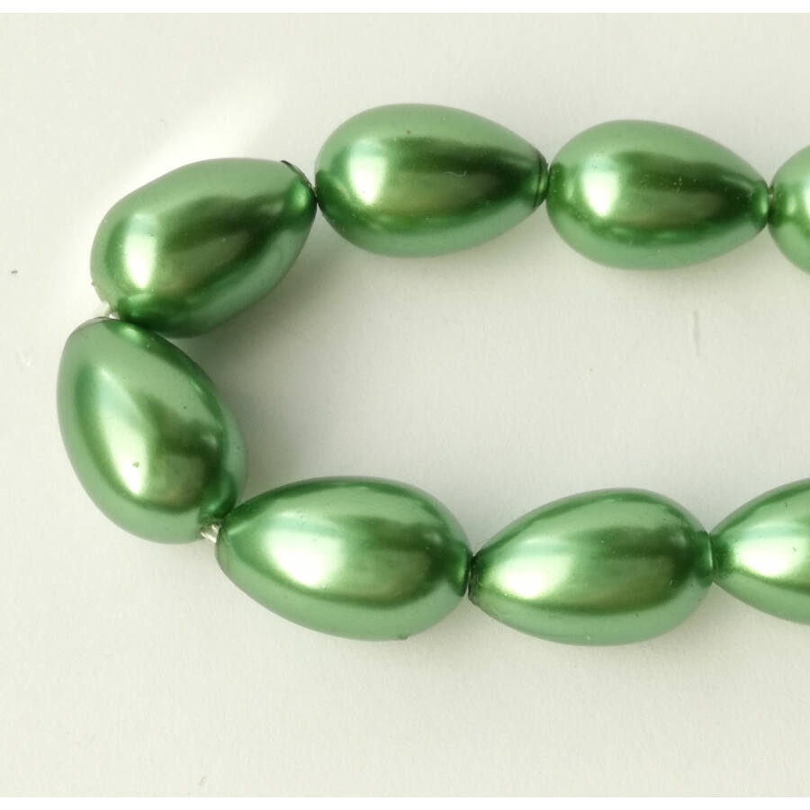 Tekla csepp gyöngy 15x10mm zöld